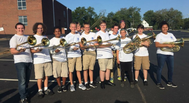 Lebanon High School marching band performs an exhibition- Video from Jared Felkins The Lebanon Democrat