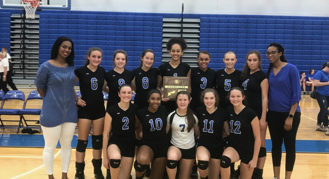 Lebanon High School Girls Varsity Volleyball beat Wilson Central in the Varsity District Finals 3-0