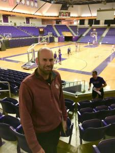 Head EH boys basketball coach, Michael Mays