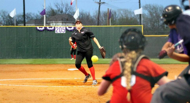 Pitcher's return has Martin softball thinking big in 2017
