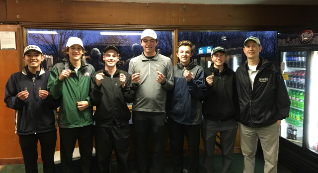 De Soto High School Boys Varsity Golf finishes 1st place