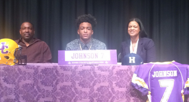 Johnson Signs Football Scholarship