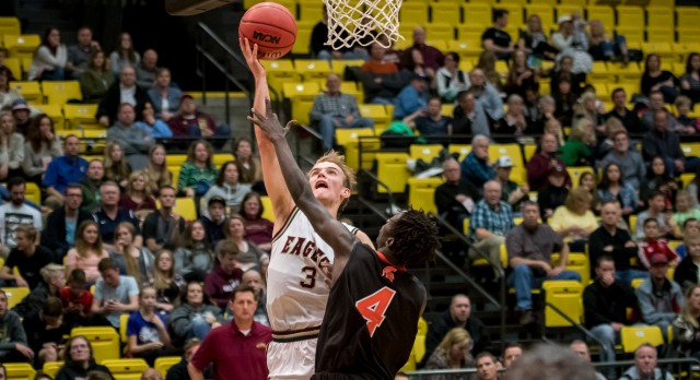 Maple Mountain High School Boys Varsity Basketball beat Murray High School 78-47