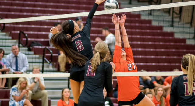 Maple Mountain High School Girls Varsity Volleyball falls to Murray High School 3-2