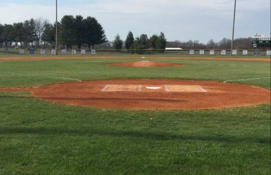 Macon County High School Varsity Baseball falls to Smith County High School 3-1