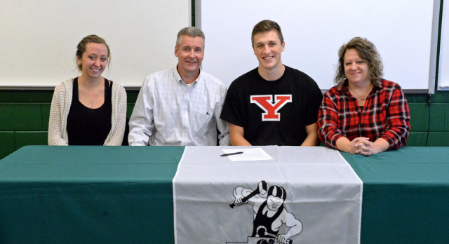 Cole Smith signs letter of intent to YSU!