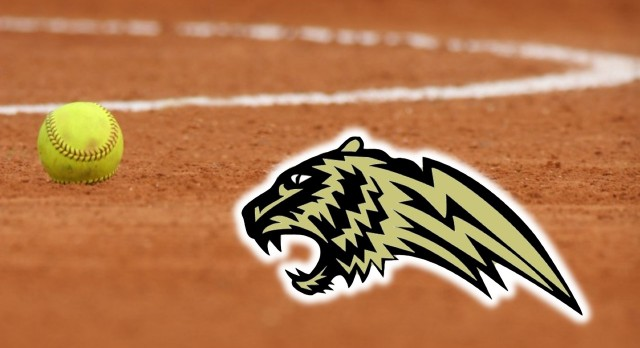 Softball Goes 1-2 in First Day of Carbon Hill Tournament