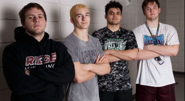 Senior-dominated Mountain Ridge wrestling sets lofty goals