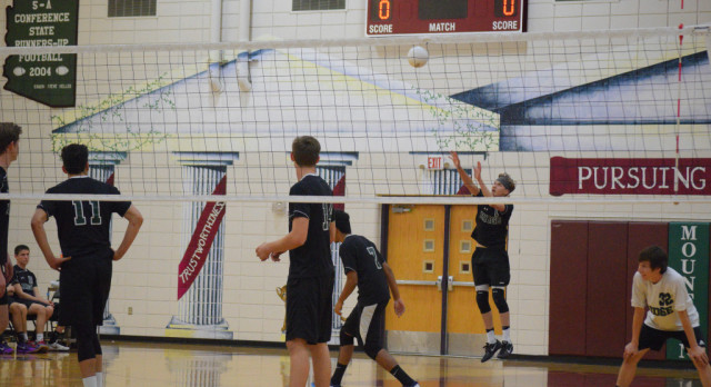 Boys Volleyball Heads Into the Playoffs Against Hamilton