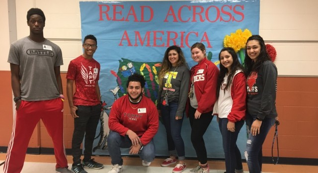 Raiders Participate in Read Across America