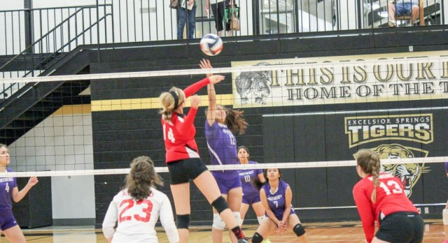 Northeast volleyball ends district play with lost against Richmond