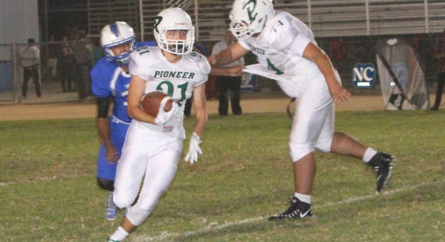 Titans Fall to Dons 33-12
