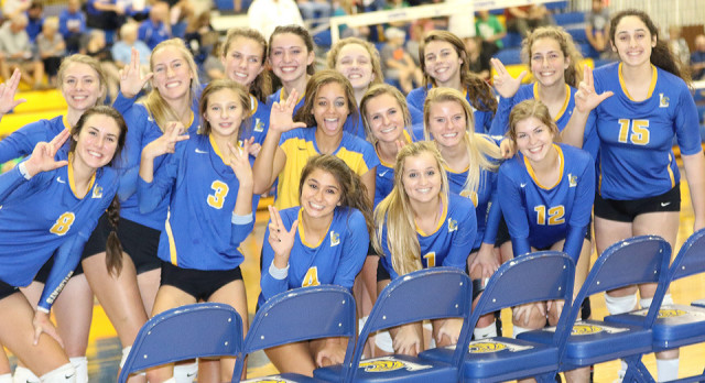 Movin' On:  Lady Wildcats Advance In Straight Sets!