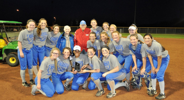 Hamilton Southeastern High School Varsity Softball beat Fishers High School 6-3