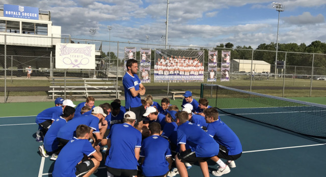 Hamilton Southeastern High School Boys Varsity Tennis beat Zionsville High School 3-2