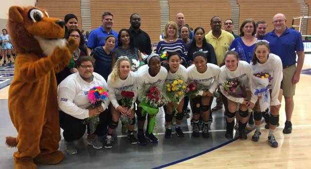 Hamilton Southeastern High School Girls Varsity Volleyball beat Zionsville High School – Senior Night 3-1