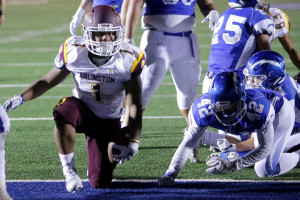 Arlington's Jamon McGlory (1) scores against Temescal Canyon in the second half of the non league game Friday in Lake Elsinore, CA. September 8, 2017. (TERRY PIERSON,THE PRESS-ENTERPRISE/SCNG)