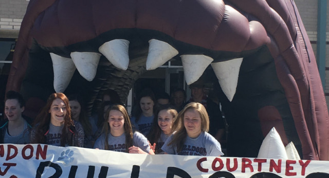 Swim & Dive Team Are Off to State