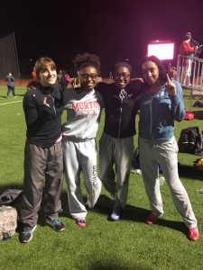 REcord Breaking Action 4X400 Relay Team