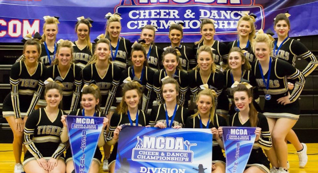 Varsity Cheer Takes 1st at Final Competition