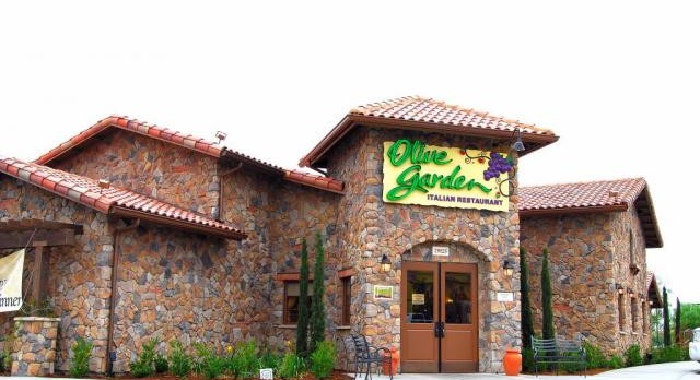 Olive Garden School Spirit Night! April 12th