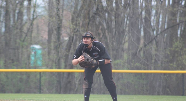 Varsity Softball Defeats East Lansing in Blowouts