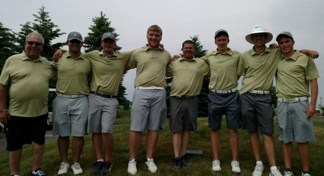 Boys Golf – Advanced to State Finals