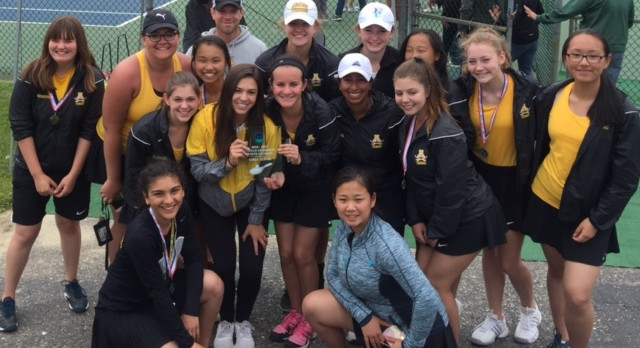 Girls Tennis Wins League Title