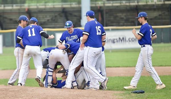 Rochester Baseball Wins OAA Red