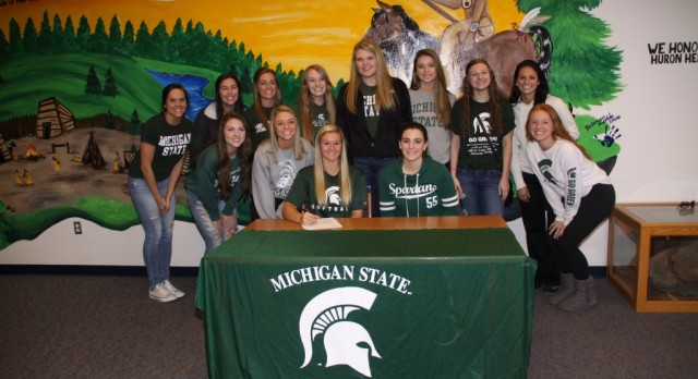 Summer Callahan Signs with Michigan State