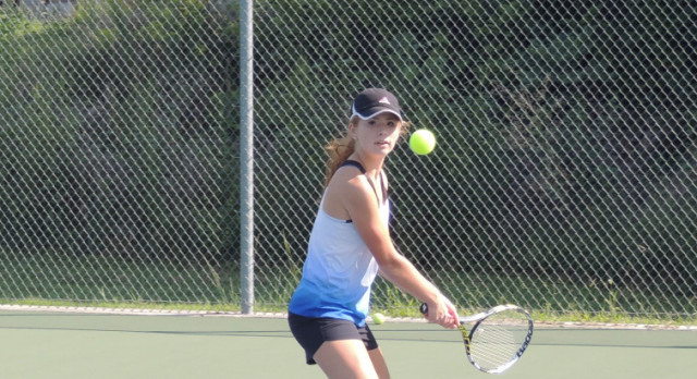Lady Jay Tennis Competes in Olathe