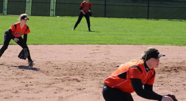 LaPorte High School Varsity Softball falls to Valparaiso High School 4-2