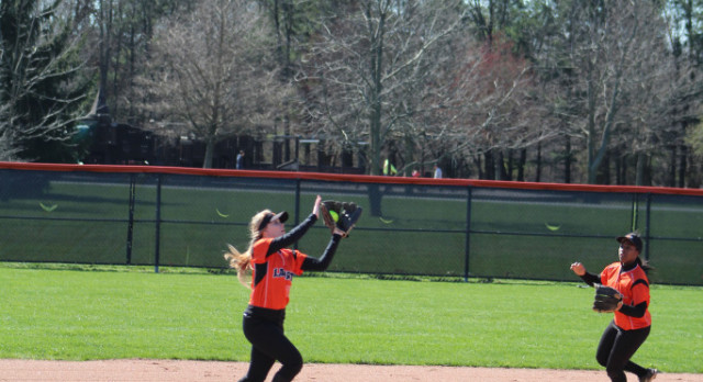 LaPorte High School Varsity Softball beat Chesterton High School 7-1