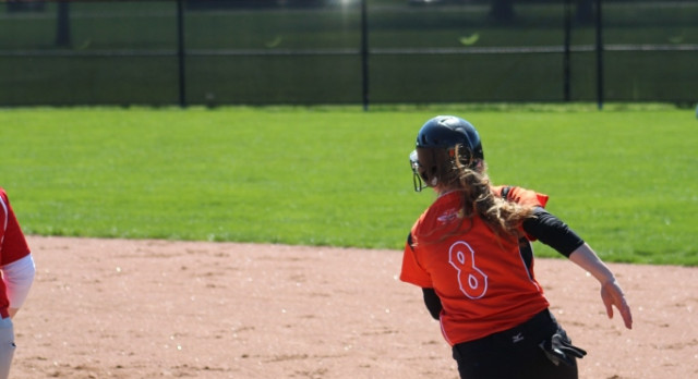 LaPorte High School Varsity Softball beat Mishawaka 4-2