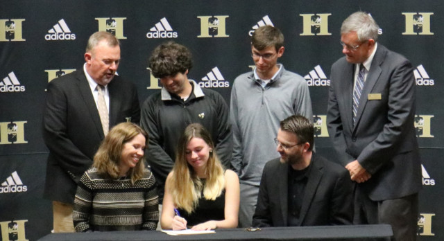Sangl Signs with Anderson University