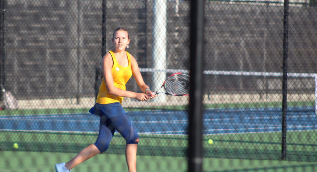 Irmo High School Girls Varsity Tennis falls to White Knoll High School 5-1