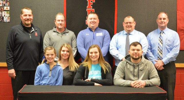 Arianna Petty Signs to Play Softball at Saint Francis University