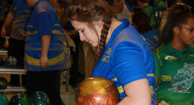 Bowling–Lady Wildcat Bowler Megan Metz named ALL MID-STATE 1st Team
