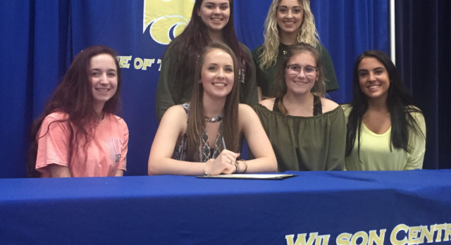 Volleyball–Loren Schmitt signs with Mississippi University For Women……