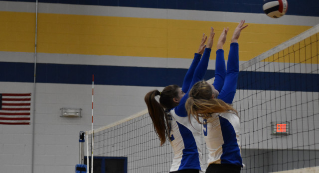 Volleyball–Lady Wildcats drop 3-2 decision to Cookeville
