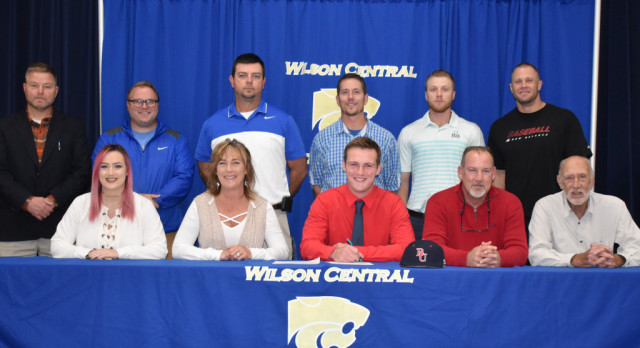 Baseball–Pitcher Aaron Hubbell signs with Belmont University of Nashville