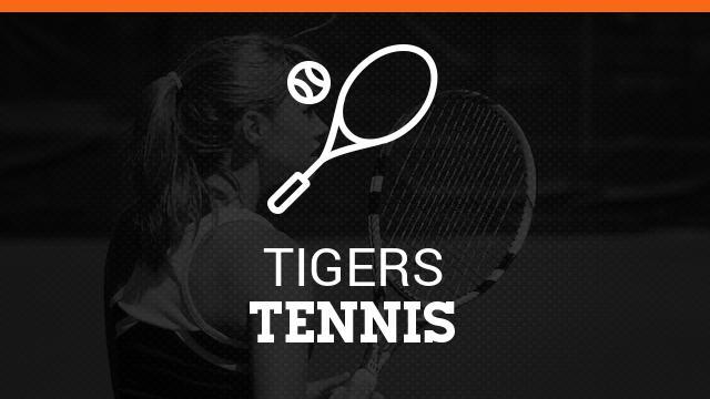 Tennis Coach Receives USTA High Five Award