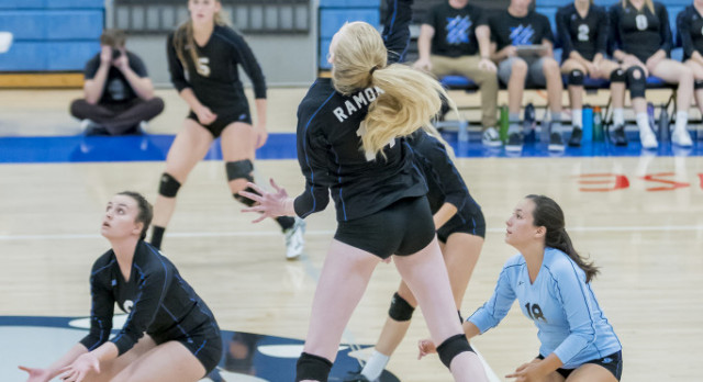 Ramona Girls Volleyball 10-3 ! See Game Photo's Here :)