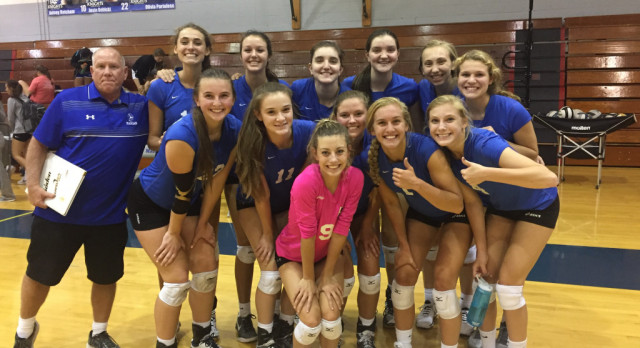 Marian Volleyball wins in Straight Sets