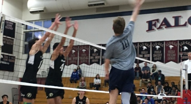 Varsity Volleyball fall to Eastlake