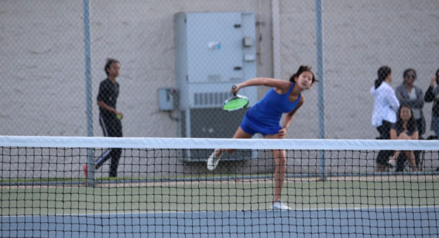 Folsom Varsity Girls Tennis Plays a Tough Oak Ridge Squad