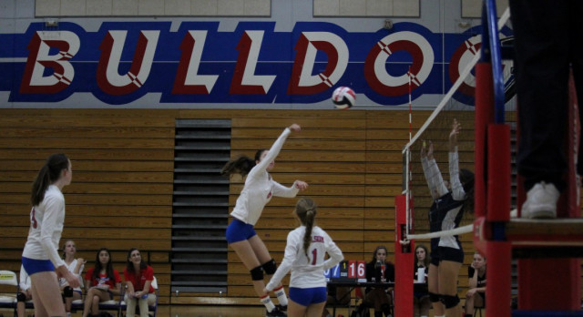 Folsom High School Girls Freshman Volleyball beat Woodcreek – Game 2-0