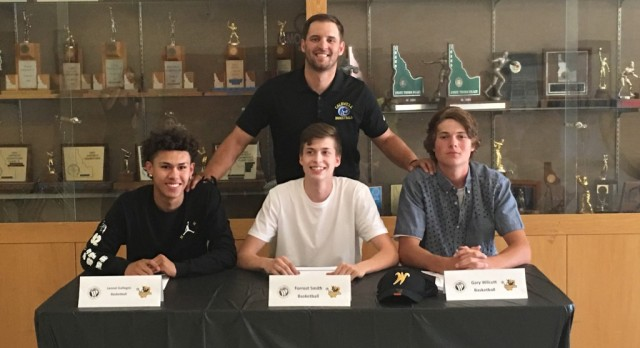 Three Cougars Sign with Walla Walla
