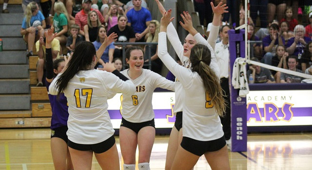 14-1 Volleyball Team Ranked #7 in Division 1 State Poll