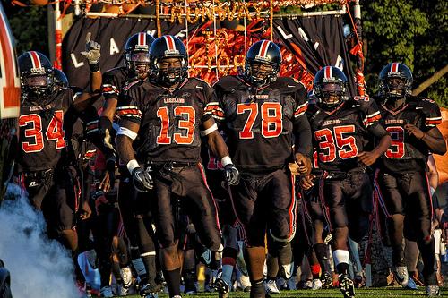 Lakeland High School Varsity Football beat Lake Gibson High School 21-0
